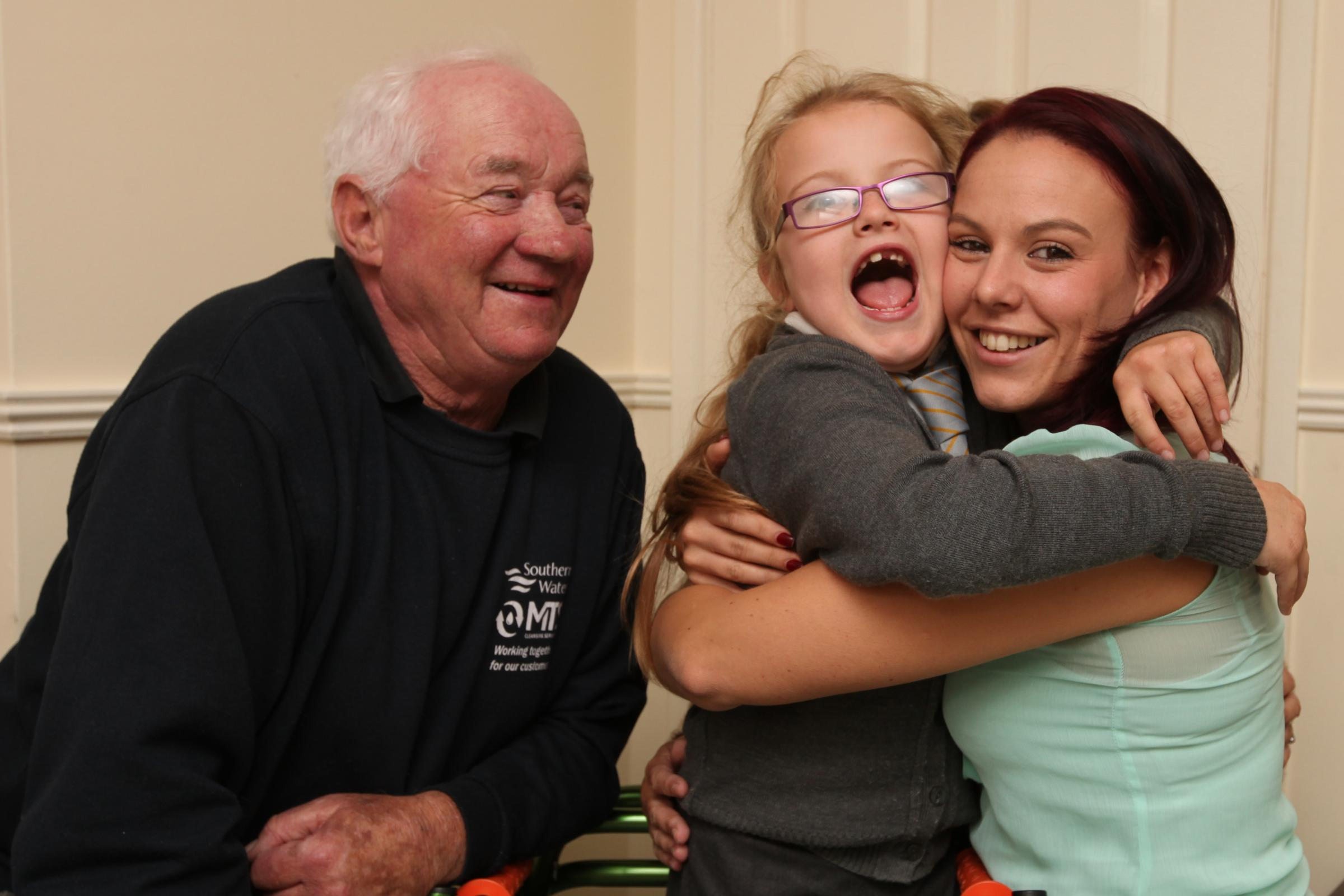 Keeley with her mum, Zara Cullen, and her grandad, Barry Cullen.