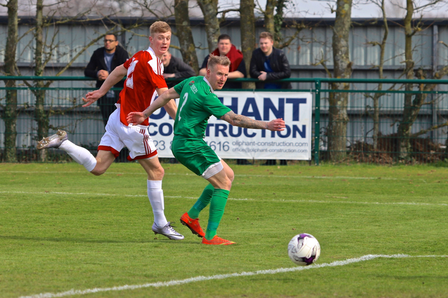 Jake Hoole (red/white). Photo: Ray Routledge